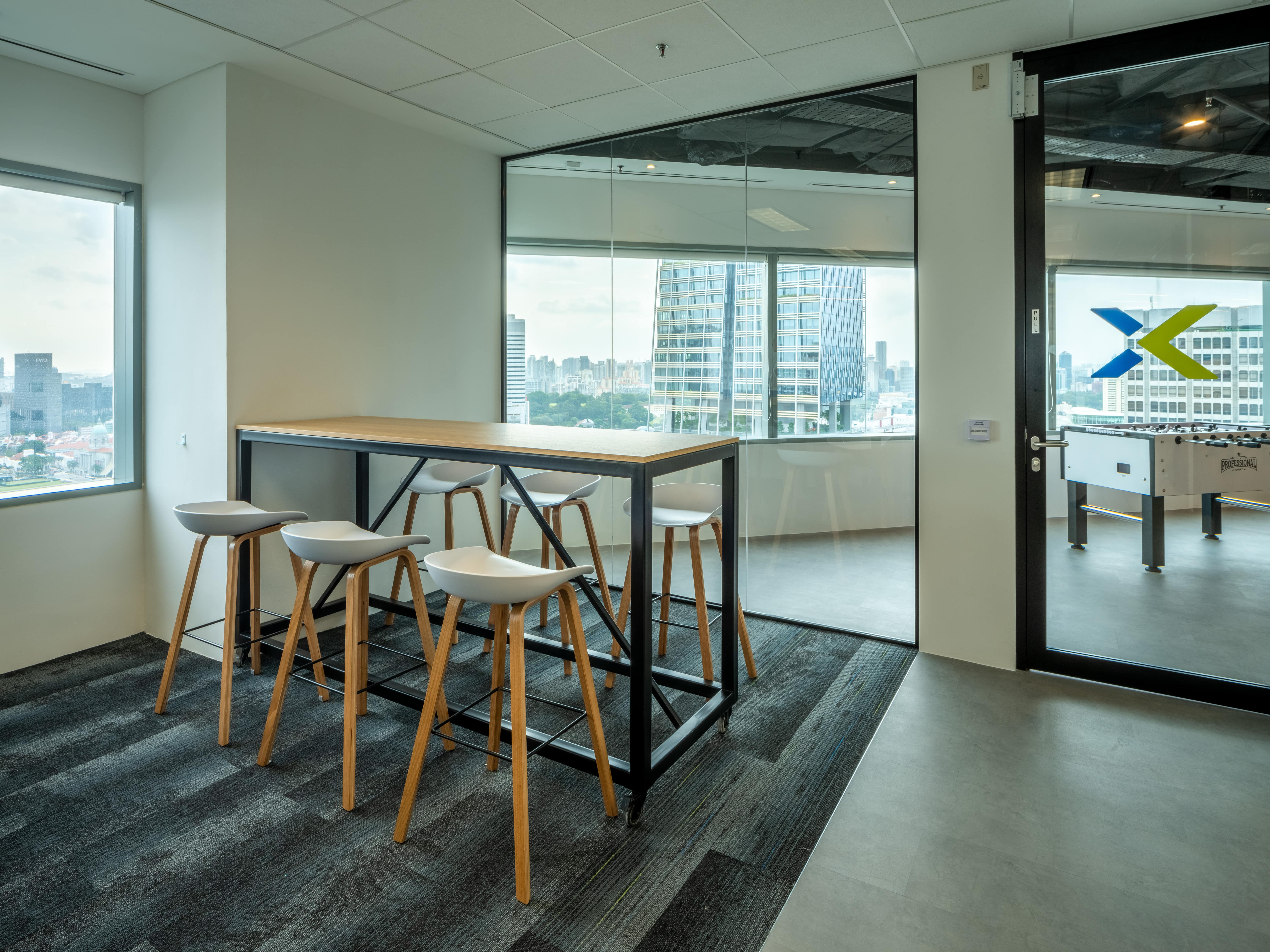 At the Nutanix Singapore office, Space Matrix factored in various design elements that lead to sustainable and energy-efficient light and water use